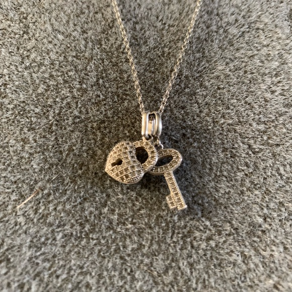 Jewelry - Silver necklace with diamond charms
